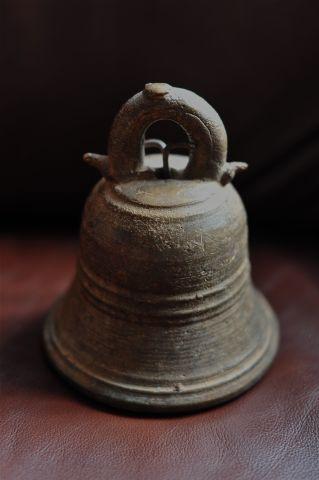 Буддийский колокол из монастыря, Шри-Ланка