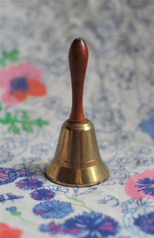 Кабинетный колокольчик с деревянной ручкой