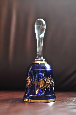 Стеклянный колокольчик «Синий с золотыми цветами»