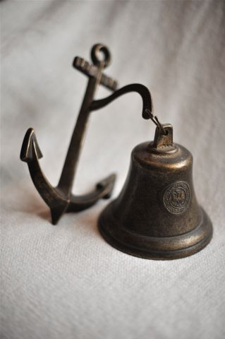 Настенный якорь и колокол с гербом, 1911г., 8888